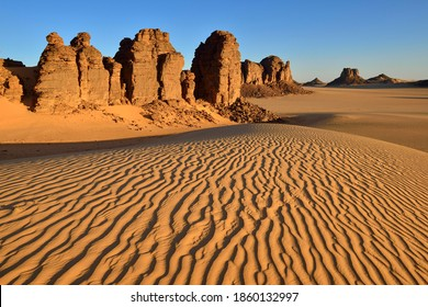 Sanddunes and rock towers in Tiou Tatarene, Tassili n´ Ajjer National Park, Unesco World Heritage Site, Sahara desert, North Africa, Algeria