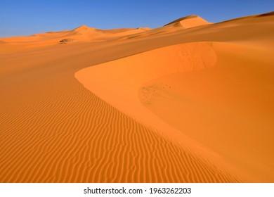 Sanddunes, In Tehak, Tadrart, Tassili n'Ajjer National Park, Unesco World Heritage Site, Sahara desert, Algeria