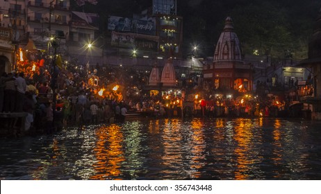 https://image.shutterstock.com/image-photo/sandhya-aartiharidwar-every-evening-priest-260nw-356743448.jpg