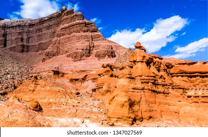 Sandstone mountains in red rock canyon. Red rock canyon desert sandstones. Sandstones red rock canyon desert. Red rock canyon sandstones view