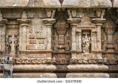 Sandstone sculptures on Hindu temple tower in Tamil Nadu, India