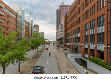 At the Sandtorkai - Strasse in the Hamburg Hafencity