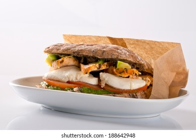 sandwich with avocado and grilled chicken
