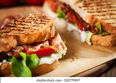 Sandwich with bacon and tomato