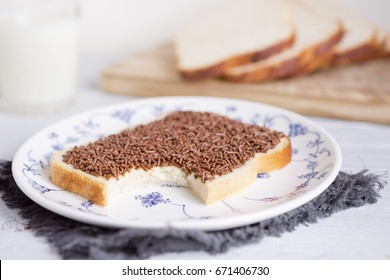 A sandwich with chocolate sprinkles or a 'boterham met hagelslag', Dutch traditional food.