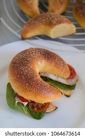 sandwich in the form of a crescent (a sandwich-croissant)