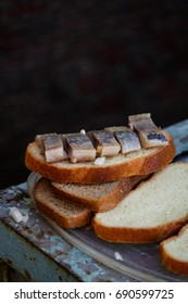 A sandwich with herring