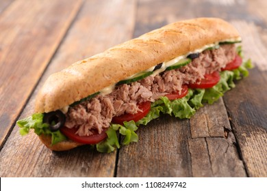 sandwich with tuna and salad