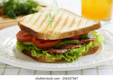 Sandwich with vegetable...