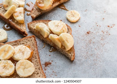 Sandwiches with banana and caramel