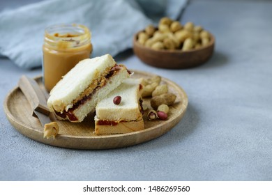 sandwiches jam and peanut butter for breakfast