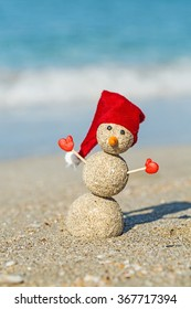Sandy snowman.