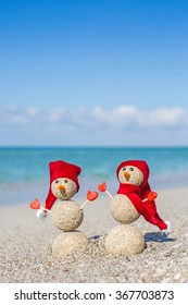 Sandy snowmen.