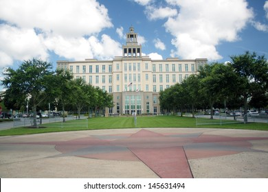 SANFORD, FL - JULY 9, 2013: The Courthouse in Sanford, Florida, site of the Zimmerman murder trial, on July 9, 2013. Courtroom 5-D is at the upper right-hand corner.
