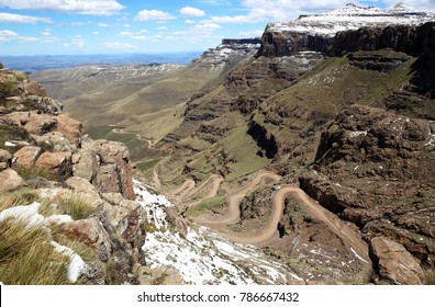 Sani pass, border South Africa-Lesotho