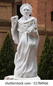 Santa Bartolomeo statue
