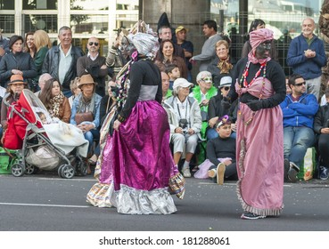"""SANTA CRUZ DE TENERIFE, SPAIN - MARCH 4: Clowns of the Carnival during the """"Coso"""" or """"Final Parade"""" on March 4, 2014 in Tenerife (Canary Islands) Spain."""