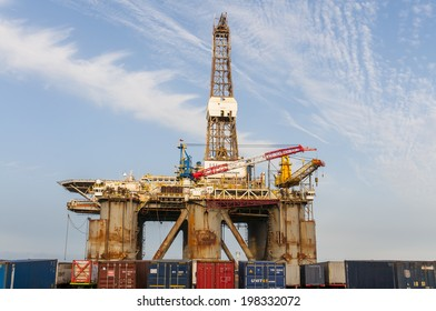 SANTA CRUZ DE TENERIFE, SPAIN - JUNE 12: Gas and oil rig platform in the port of Santa Cruz de Tenerife on June 12, 2014 in Tenerife (Canary Islands) Spain.