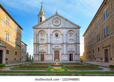 Santa Maria Assunta on the Piazza Pio II. Roman Catholic cathedral in Pienza dedicated to the Assumption of the Virgin Mary, Pienza, Tuscany, Italy