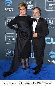 SANTA MONICA, CA. January 13, 2019: Kevin Pollak & Caroline Aaron at the 24th Annual Critics' Choice Awards in Santa Monica.