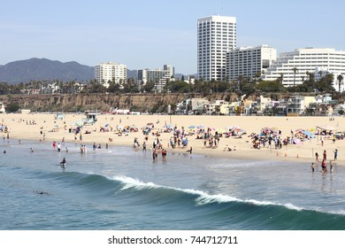 SANTA MONICA, CALIFORNIA : Beach goers at the Santa Monica Pier on Ocean Ave. in Santa Monica, California.