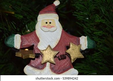 santa on tree
