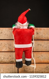 Santa trying to climb the wall, an immigration policy project