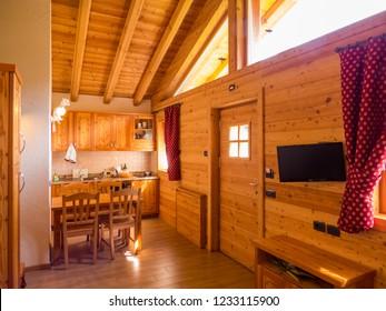 Intérieur Chalet Montagne Images, Stock Photos & Vectors ...