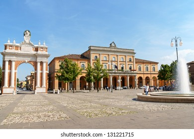 SANTARCANGELO DI ROMAGNA, ITALY - JUNE 12: Piazza Marconi (square) on June 12, 2011 in Santarcangelo di Romagna, Italy. From left the Ganganelli Triumphal Arch, the Town Hall and the fountain.