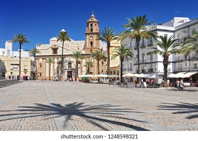 Santiago Church and pavement cafe in Cathedral Square, Cadiz, Cadiz Province, Andalucia, Spain, Western Europe.