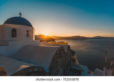 Santorini sunrise in Oia Greece