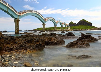 Sanxiantai Arch Bridge The eight-arched bridge in Sanxiantai, located at Taitung, eastern Taiwan