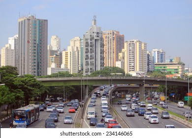 SAO PAOLO, BRAZIL - APRIL 11, 2014: road motion in the center of Sao Paolo, Brazil