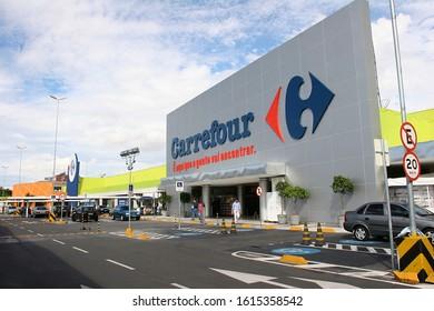 Sao Paulo, Brasil - dec 18, 2005 - Facade of hypermarket Carrefour in Sao Paulo, Brazil