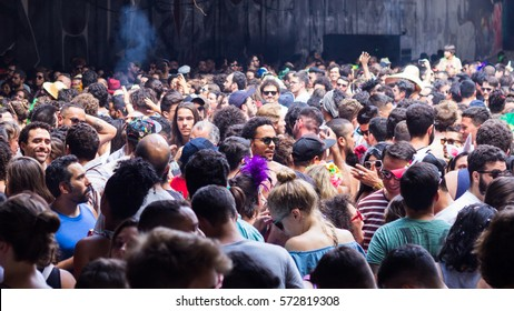 """Sao Paulo, Brazil - February, 05 2017. Crowds in the streets at rehearsal of """"Tarado Ni Voce"""". Warm up for carnival celebrations."""