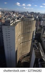 SAO PAULO - JUL 24: Copan building by Oscar Niemeyer on July 24, 2010. Oscar Niemeyer, who died in Dec 2012, was a Brazilian architect and a key figure in the development of modern architecture