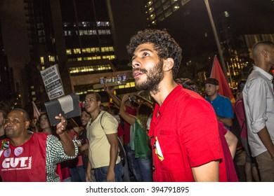 Sao Paulo, SP, Brazil. 18th Mar, 2016. Mass demonstration pro government Dilma Rousseff and favour to maintain former president Luiz Ignacio Lula Da Silva as chief of staff in Paulista Avenue