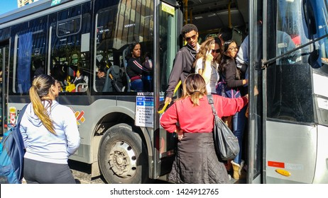 Public Transportation in Brazil Images, Stock Photos & Vectors