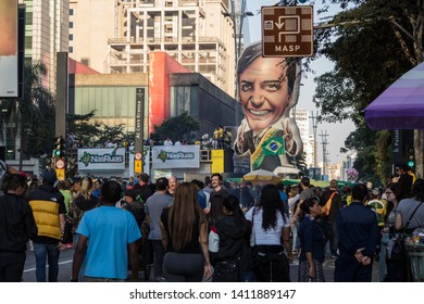 SAO PAULO, SP, BRAZIL - MAY 26, 2019: Pro-government political demonstration on Avenida Paulista, with the MASP - Museum of Art of São Paulo in the background.