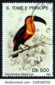 "SAO TOME AND PRINCIPE - CIRCA 1992: A stamp printed in Sao Tome and Principe from the ""Birds"" issue shows Toucan (Ramphastos maximus), circa 1992."