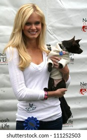 """Sara Paxton at the 6th Annual """"Nuts For Mutts"""" Dog Show and Pet Fair. Pierce College, Woodland Hills, CA. 04-22-07"""