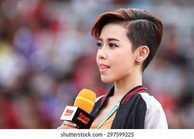 SARABURI THAILAND- JULY18:Nutlada Korsuwan of announcer with True Sports TV during Thai Premier League between Saraburi Fc and Buriram United at Saraburi Stadium on July18,2015 in Saraburi Thailand