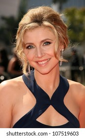 Sarah Chalke  At the 60th Primetime Creative Arts Emmy Awards Red Carpet. Nokia Live Theater, Los Angeles, CA. 09-13-08
