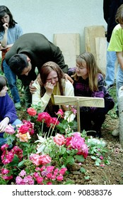 SARAJEVO, BOSNIA - MAY 26: A funeral for a Bosnian Croat shot down in the besieged capital of Sarajevo on May 26, 1993 in Sarajevo, Bosnia..