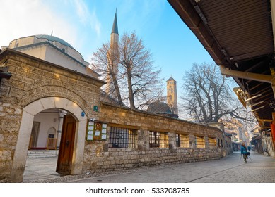 SARAJEVO,BOSNIA AND HERZEGOVINA-DECEMBER 09,2016:Gazi Husrev-beg Mosque at the centrer of Sarajevo