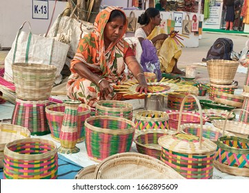 Saras Mela, Kolkata. 03/01/2020: Craftworkers belonging to rural development communities of West Bengal & also from other Indian states, making handmade baskets, decorative items from bamboo & cane.