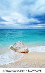 sarinian beach