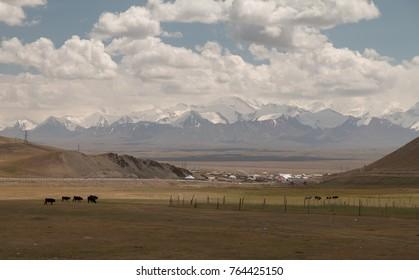 Sarytasch and Pamir Mountains, Kyrgyzstan, Central Asia
