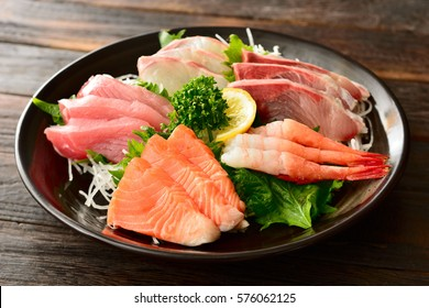 sashimi japanese food