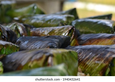 Satar wrapped with banana leaf is a famous food from Malaysia. It is made from fish fillet, grated coconut and various spices